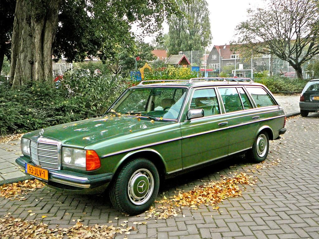 Custom 1980 green mercedesbenz w123 cars pinterest mercedes