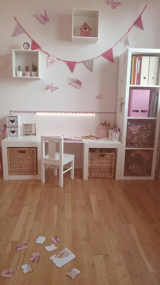 bureau chambre petite fille chambre ilana pinterest chambre chambre enfant et deco. Black Bedroom Furniture Sets. Home Design Ideas