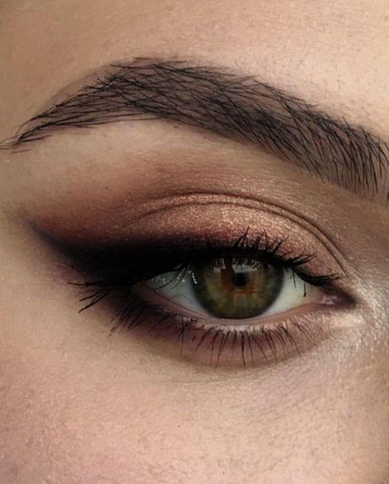 Aprenda maquillaje profesional (haga clic aquí)