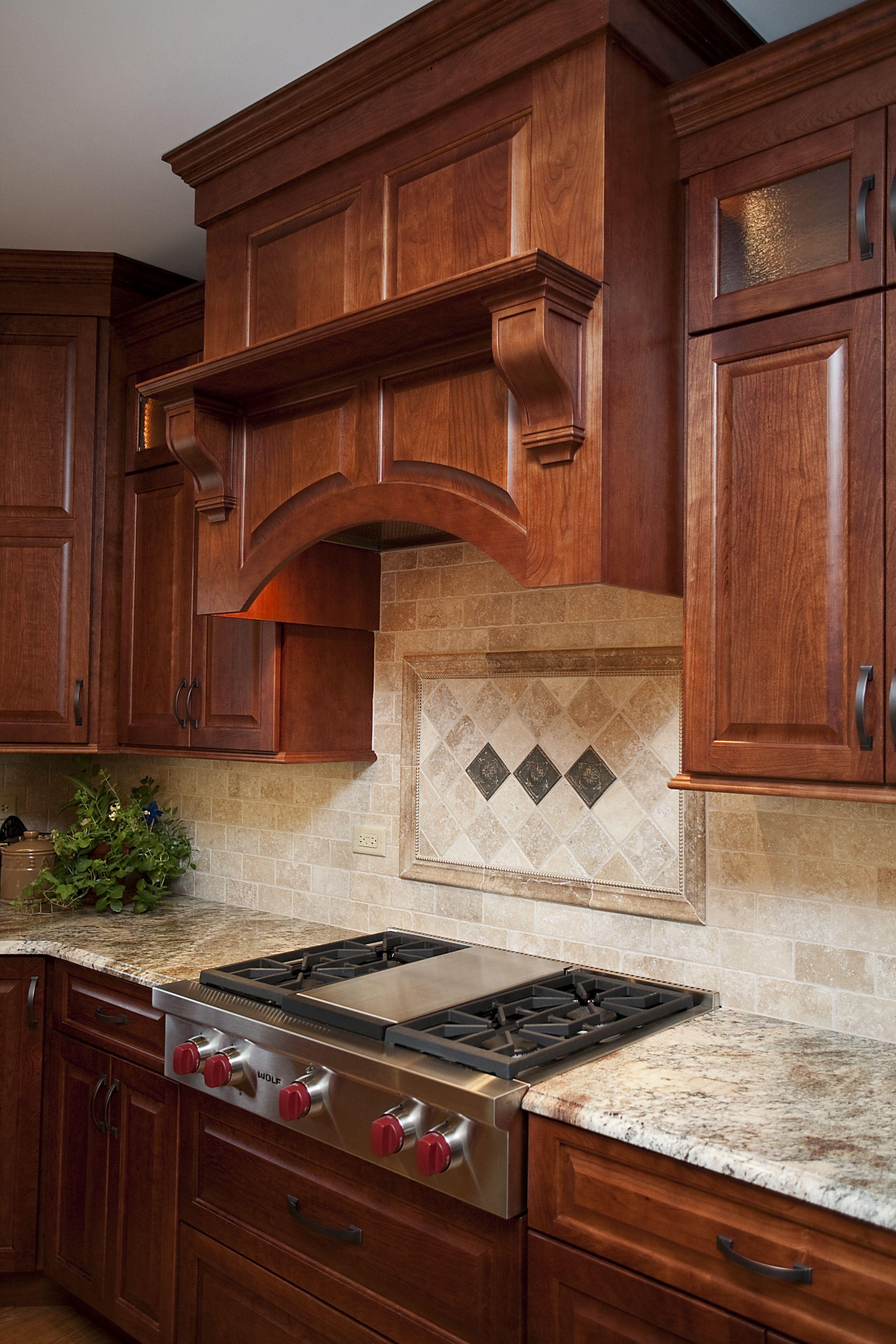 Custom Wooden Hood Cherry Cabinet In Shaker Style Cosina Cocinas