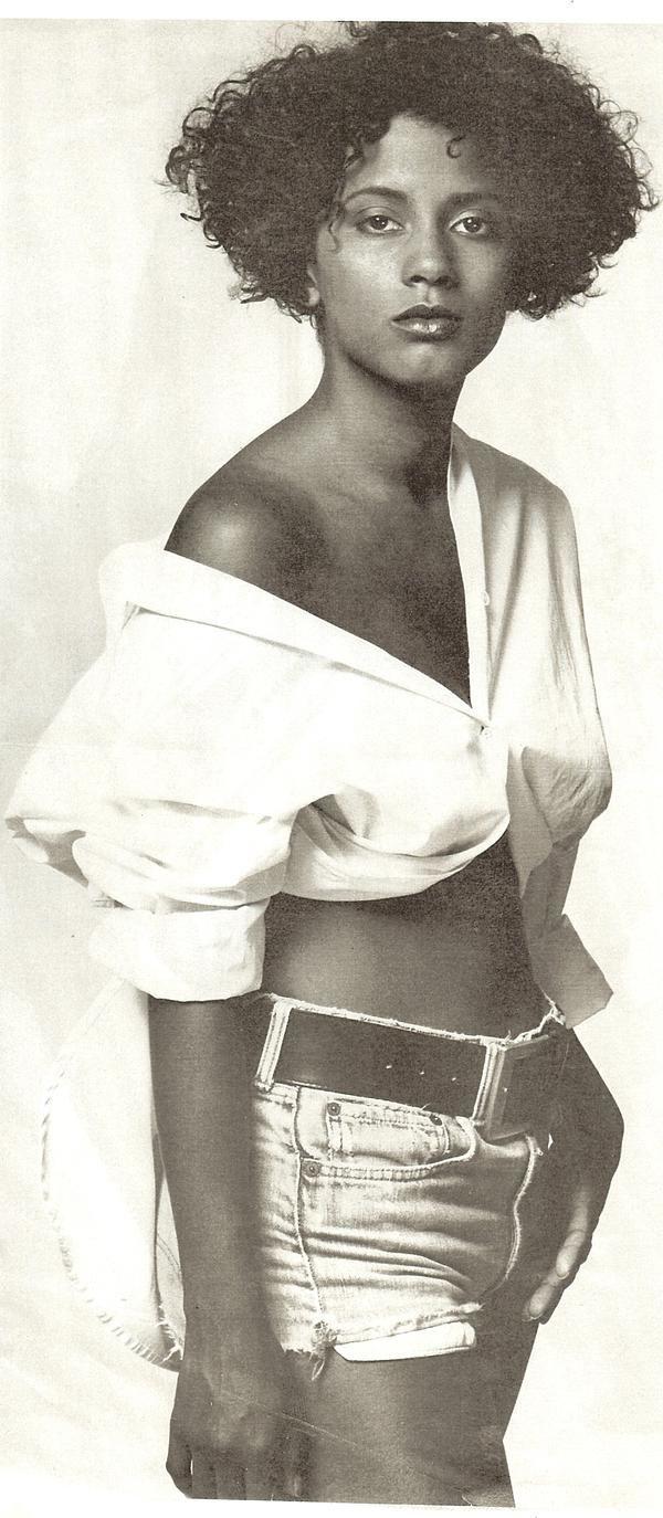 Ayen Munji-Laurel (b. 1971) forecasting
