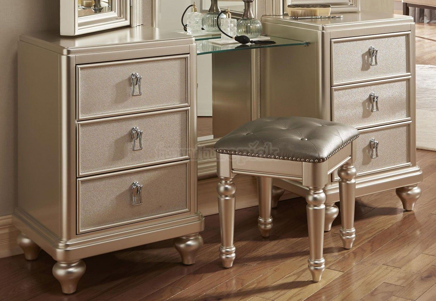 adorable bedroom sets with vanity awesome furniture design rh pinterest com Bedroom with Vanity Collection Bedroom with Vanity Collection
