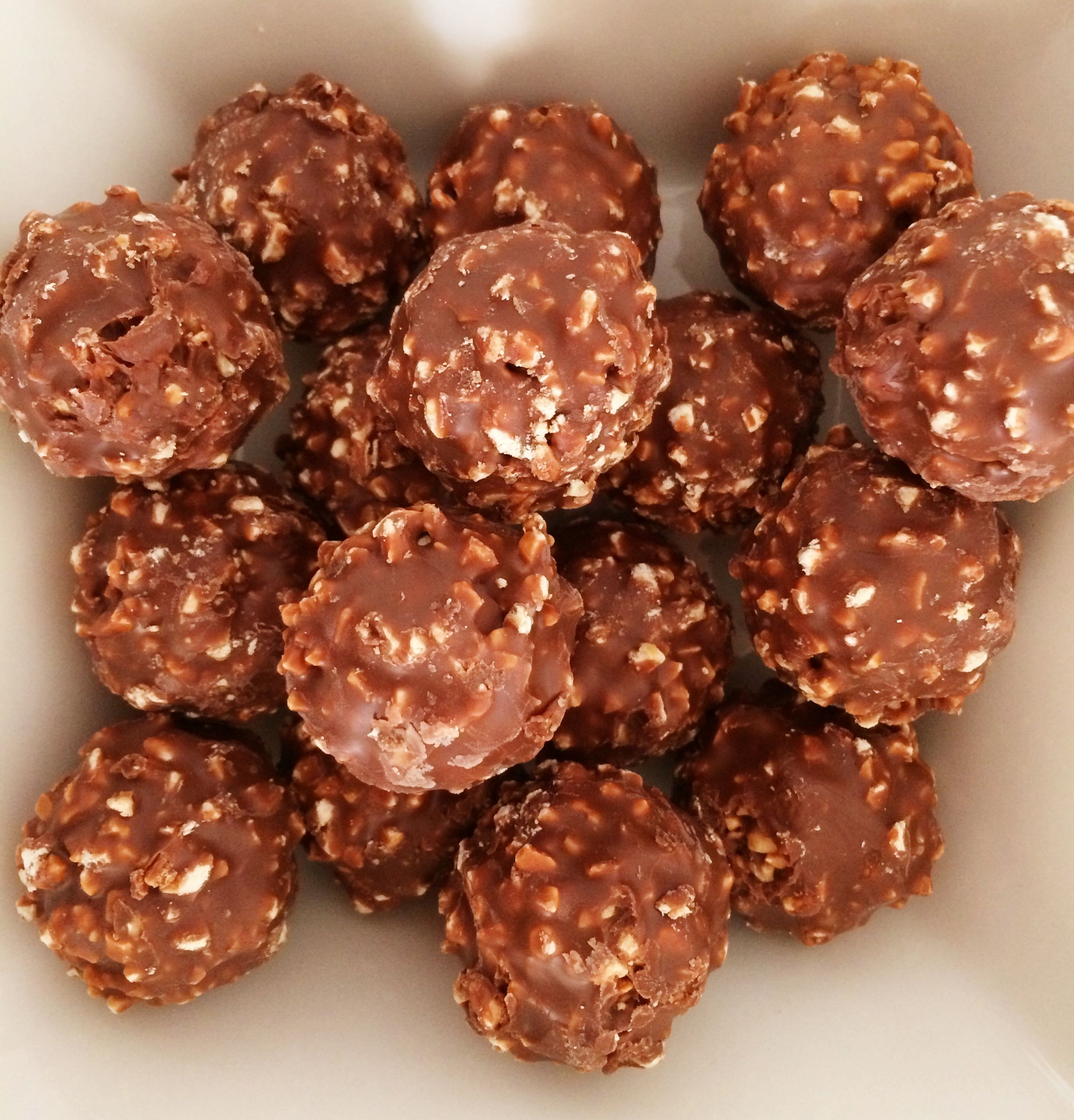 Ferrero Rocher Chocolate Hazelnut Slice | Recipe | Rocher ...