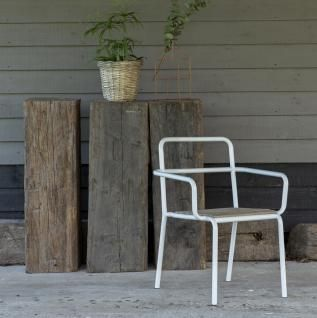 Outdoor Stuhl Mit Armlehne Gartenstuhl Weißes Metall Und Holz Pinie Neu Bei  Tikamoon Massivholzmöbel Kaufen (