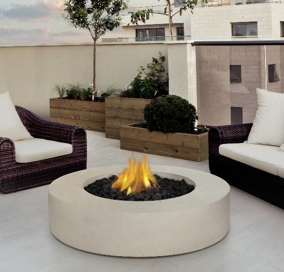 Choosing Between An Outdoor Fireplace And An Outdoor Fire Pit
