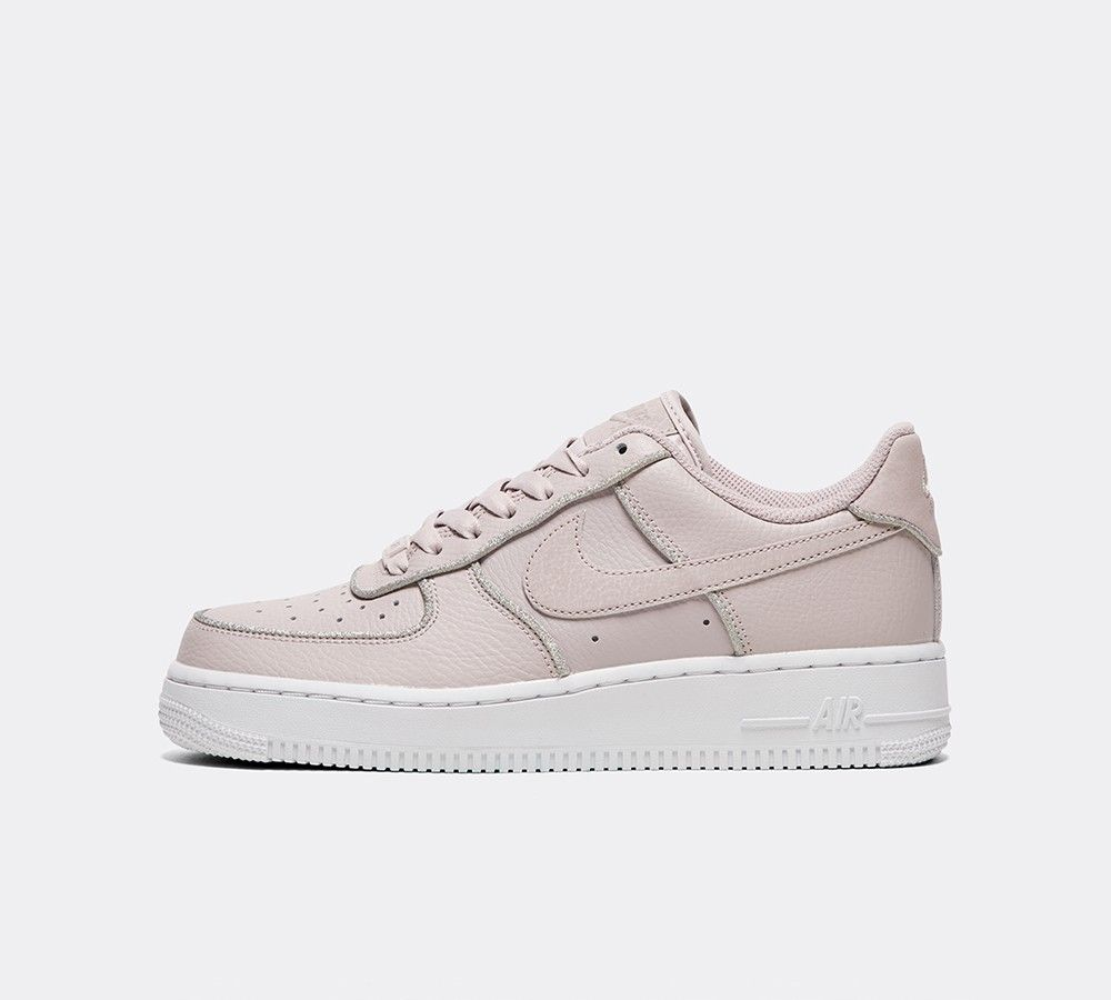 nike air force 1 07 trainers particle rose glitter