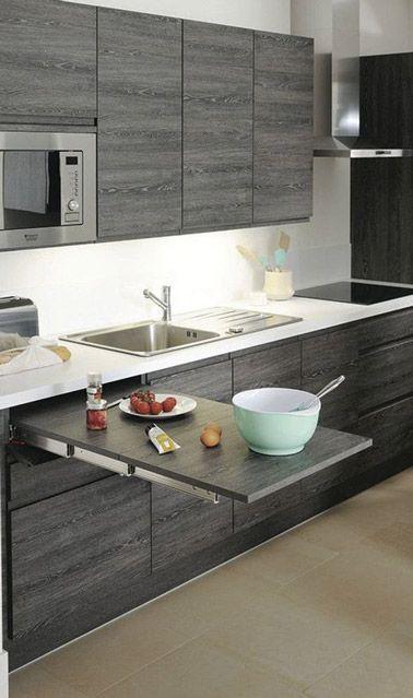 une table extractible pour un coin repas dans une petite cuisine