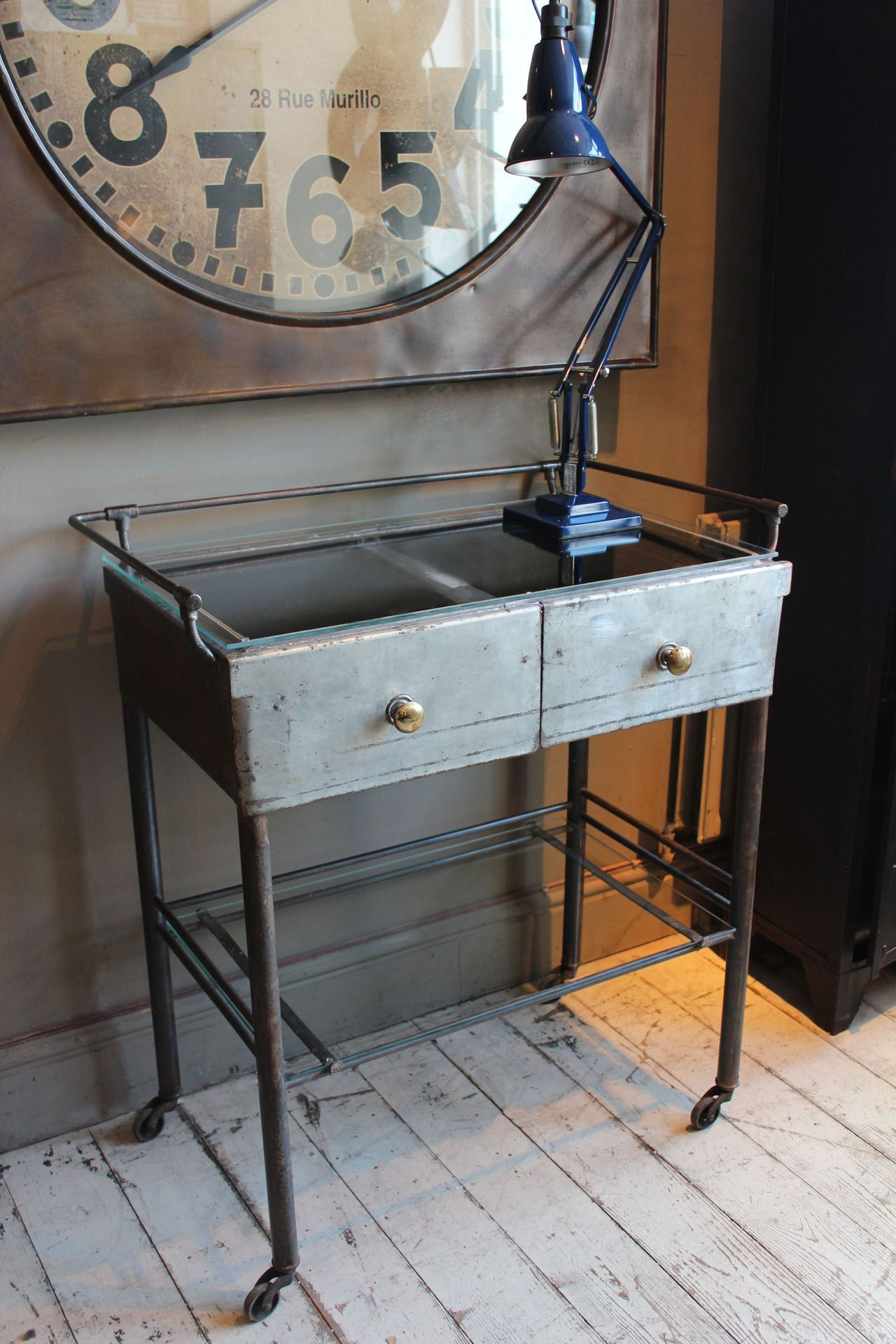 vintage medical trolley table industrielle dentiste d co industrielle for the home. Black Bedroom Furniture Sets. Home Design Ideas