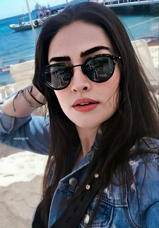 Pin By Zara Noor On Turkey Girls Turkish Women Beautiful Model Poses Photography Muslim Beauty