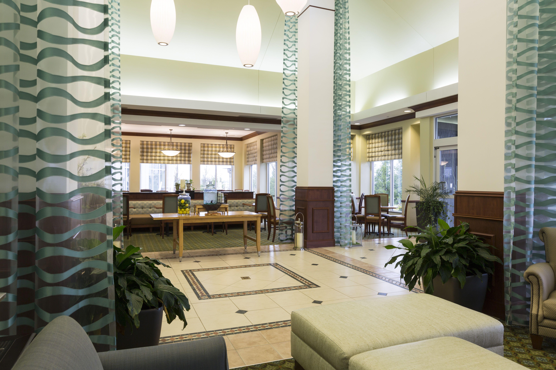 Hilton Garden Inn Seattle North Everett Lobby