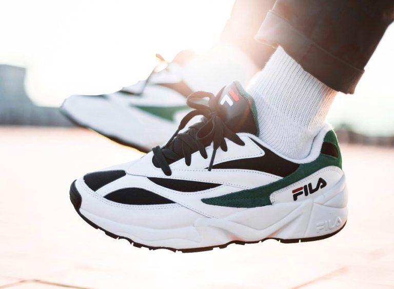 basket fila venom blanche et verte aux pieds 1010255 00Q (3