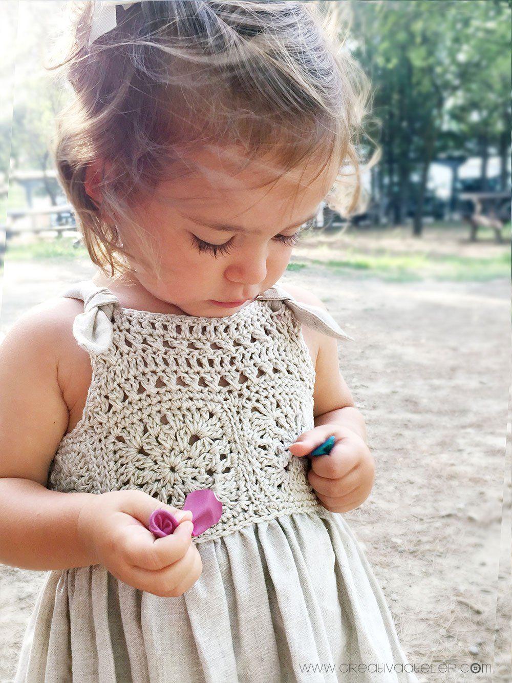 Vestido Granny Squares de Bebé combinado con Tela #vestidosparabebédeganchillo