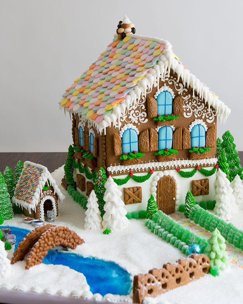 Shannon O'Hara: A Year of Gingerbread Houses