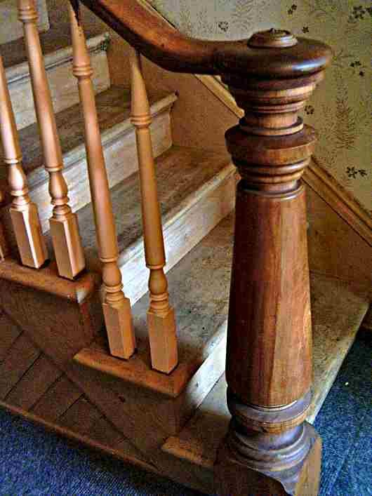 A Newel Post Supports The Handrail Of A Stair Banister The Post At The Bottom Of The Stairs Is A Newel Stair Newel Post Wooden Staircase Railing Round Stairs