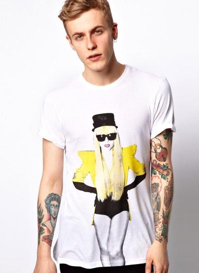 ¿Eres un fan total de Lady Gaga? Esta camiseta no puede faltar en tu armario