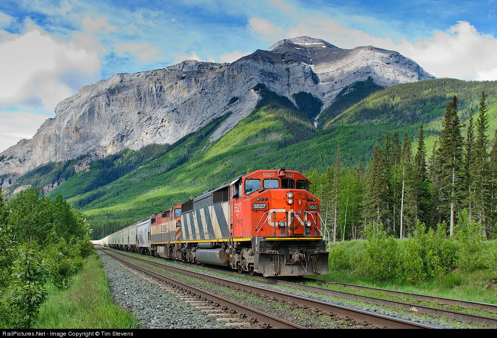 RailPictures.Net Photo: CN 5527 Canadian National Railway EMD SD60F at Brule, Alberta, Canada by Tim Stevens