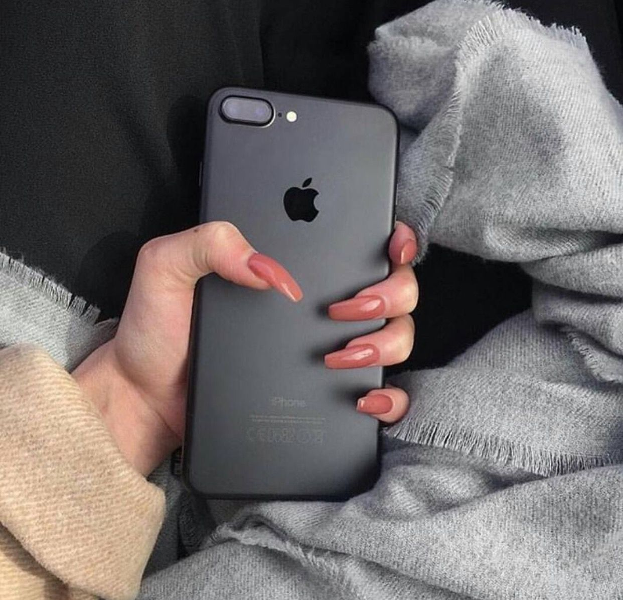 Pinterest Paulazentenom Black Iphone 7 Iphone Apple Phone