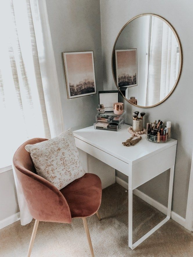 Vanity Style – MAMA A LA MODE #makeupinspiration #bedroomideas -  #bedroomideas #makeupinspir... #makeupgoals