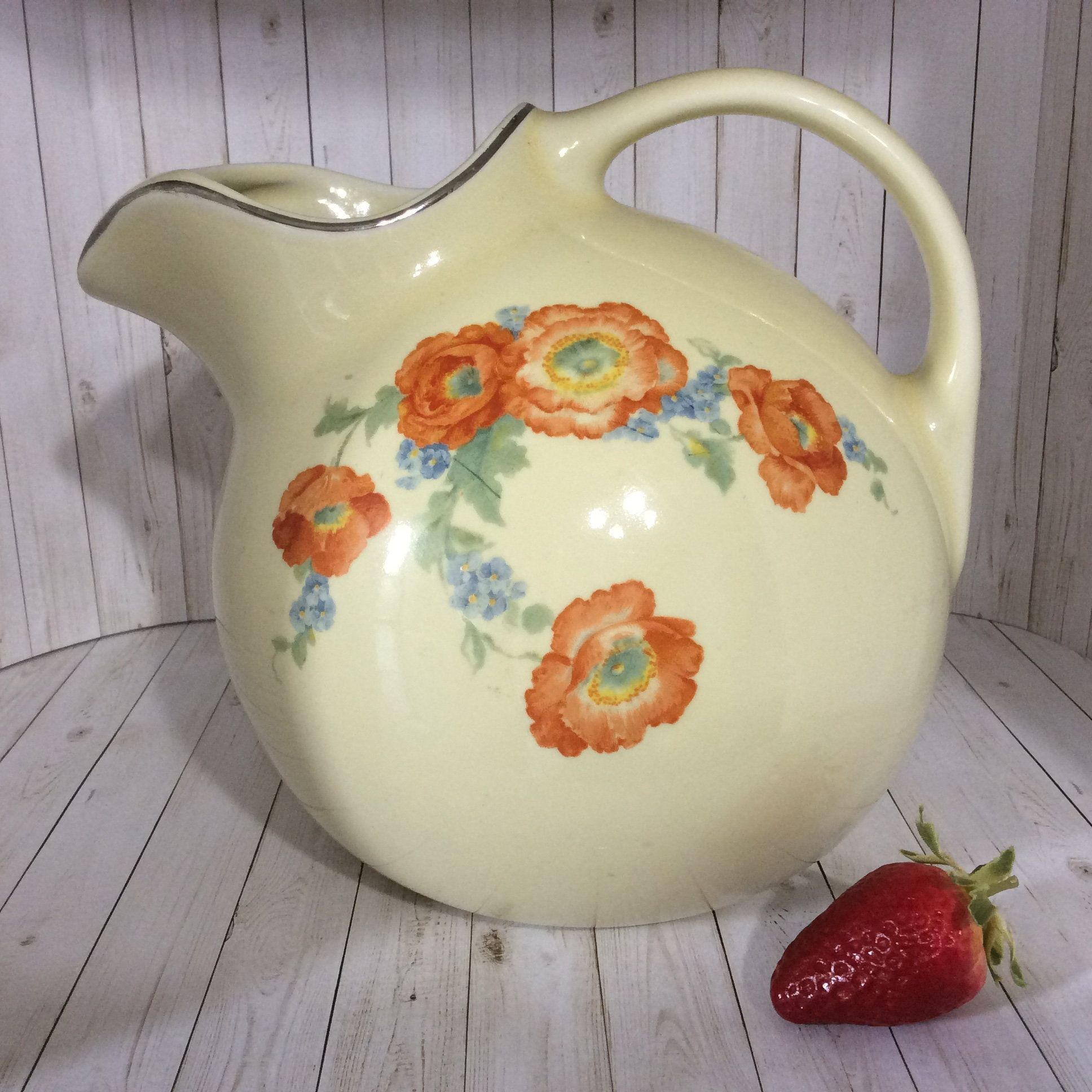 Vintage Hall S Ball Tilt Pitcher With Ice Lip 633 2qt Orange Poppy By Hall S Superior Quality Kitchenware Orange Blue Flowers 1933 1953 Pitcher Hall Pottery Vintage Pottery