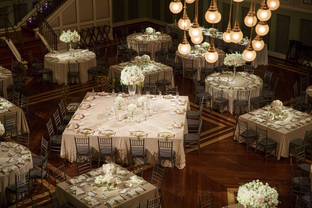Planner: Angela Proffitt Venue: Schermerhorn Symphony, Nashville Photographer: Matt Andrews Photography