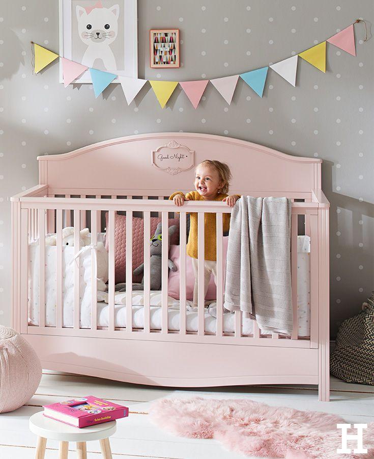 Verspieles Babybett in zarten rosa. Babybett Mädchen