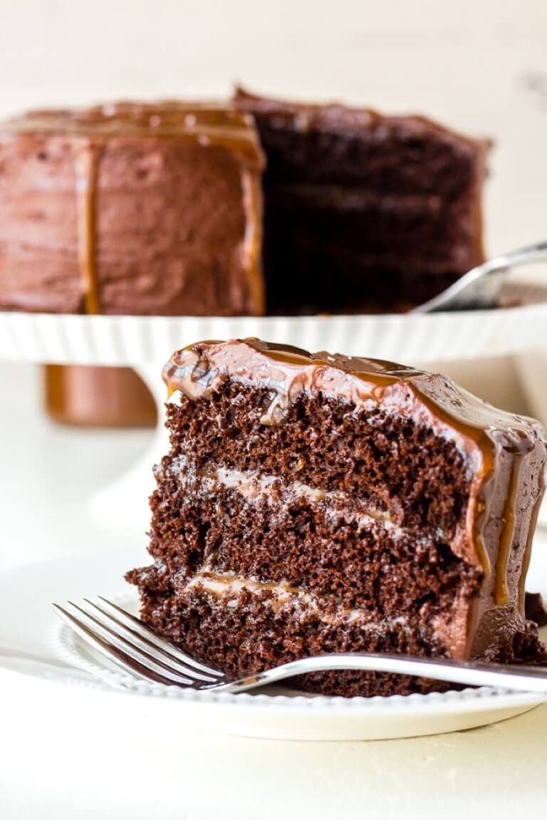 Chocolate and salted caramel layer cake recipe in 2020