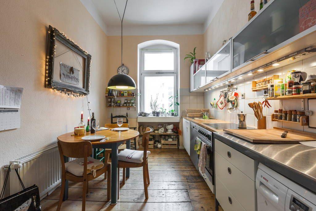 Schau Dir Dieses Grossartige Inserat Bei Airbnb An Grosses Helles Wg Zimmer Im Altbau In Berlin Altbau Kuche Kuchen Design Wohnung