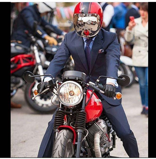 Repost from....@moto_gu --------------------------------------------------------------------------------- #aprilia  #wheeliewednesday  #vespagram #beauty #rsv4 #apriliaracing #motorcycle #girl #moto #chile #chilegram #smile #friends #fashion #a #vespa #vespalove #vespa_chile #motoguzzi #motorcycle #FF, #instafollow, #l4l, #tagsforlikes #red #love #instagood #instagram #tbt #motoqueros #mototematicos --------------------------------------------------------------------------------
