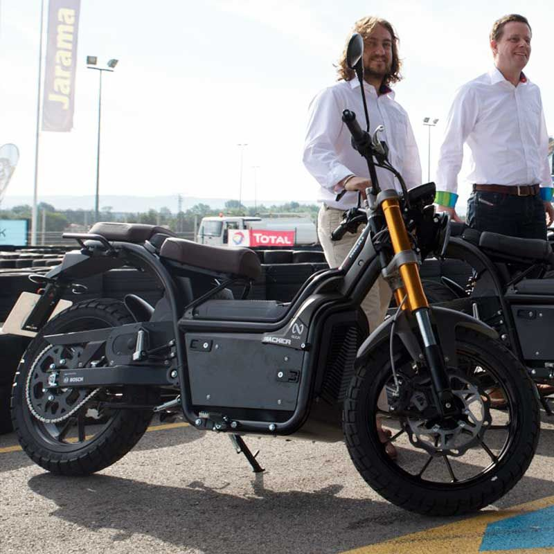 Spanish Nuuk Electric Motorcycle Travels 300 Km Easily On One