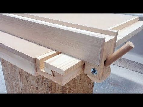 Homemade Table Saw Fence System Easy Simple New Style Youtube Scie Diy Guide Table Scie Circulaire Et Idee Meuble En Palette