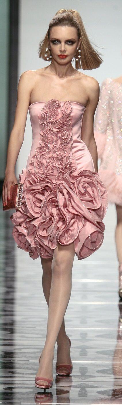 Valentino jαɢlαdy | VALENTINO I | Pinterest | Rosas rosadas, Campo y ...