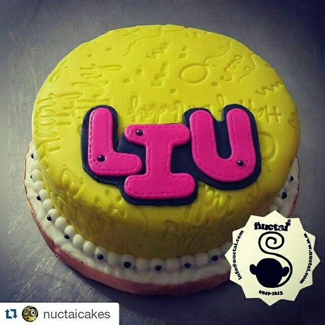 Instagram @nuctaicakes . . . Feliz Cumpleaños Liu te desea Ñuctai Cakes y que sigas cumpliendo muchos años mas!!! #panama #cakespanama #galletaspanama #fondantcake #homemade #ñuctai #nuctai #ñuctaicakes #nuctaicakes #cookies #galletas #pty #fondant #sugar #sugarcraft #sweet #panamá #panamácity #food #yumyyumy #cake #dulces #tortas #tortapanama #cupcakes #cupcakespanama