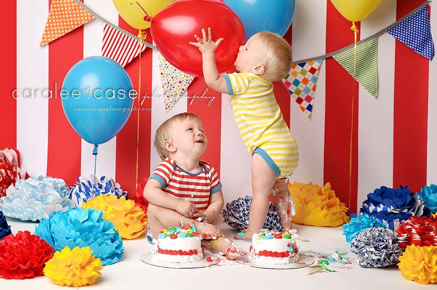 cute twins cake smash So cute Fun with a circus theme circus