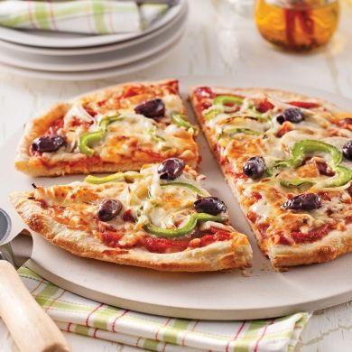 pizza maison toute garnie recette id es repas pinterest. Black Bedroom Furniture Sets. Home Design Ideas