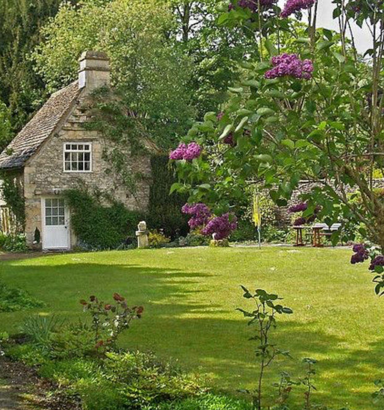 Pin Von Alison Bader Auf English Cottages Haus Und Garten Hutten Im Englischen Stil Ferienhaus