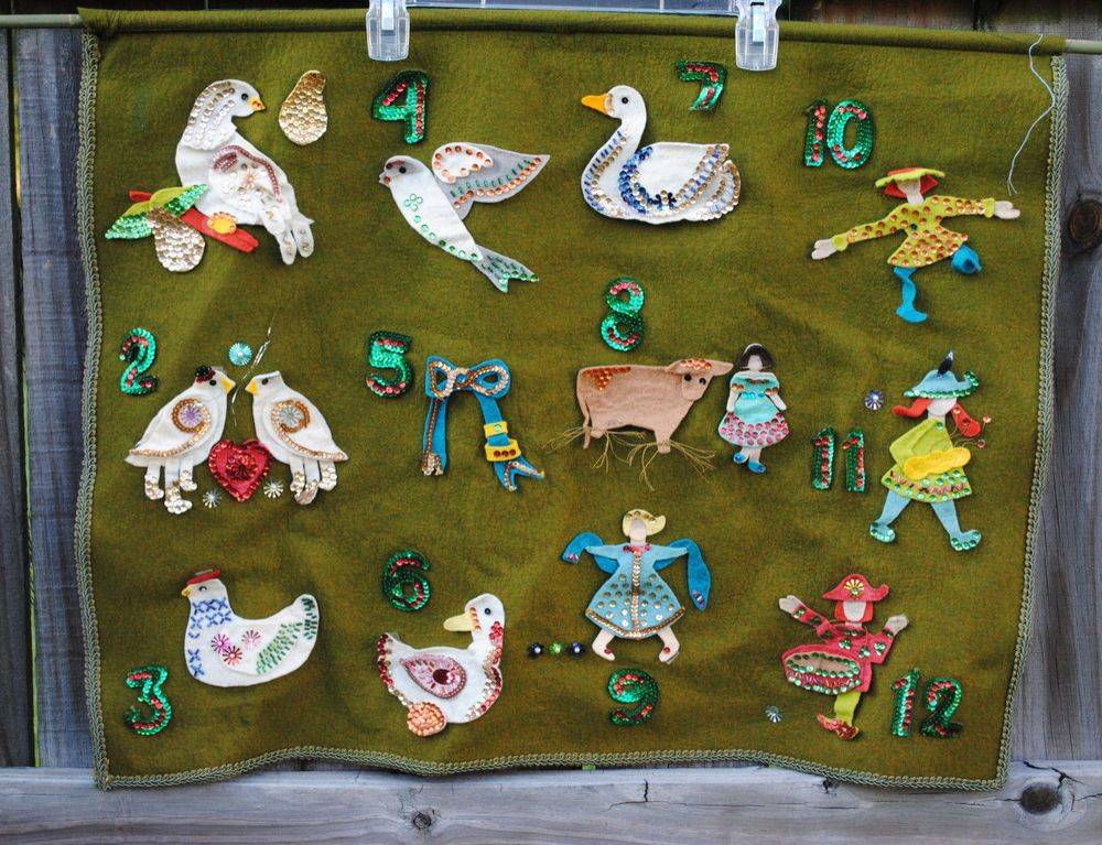 Vtg Hand Crafted 12 Days Of Christmas Felt Wall Hanging Sequins Beads Holiday Felt Wall Hanging 12 Days Of Christmas Christmas Wall Hangings