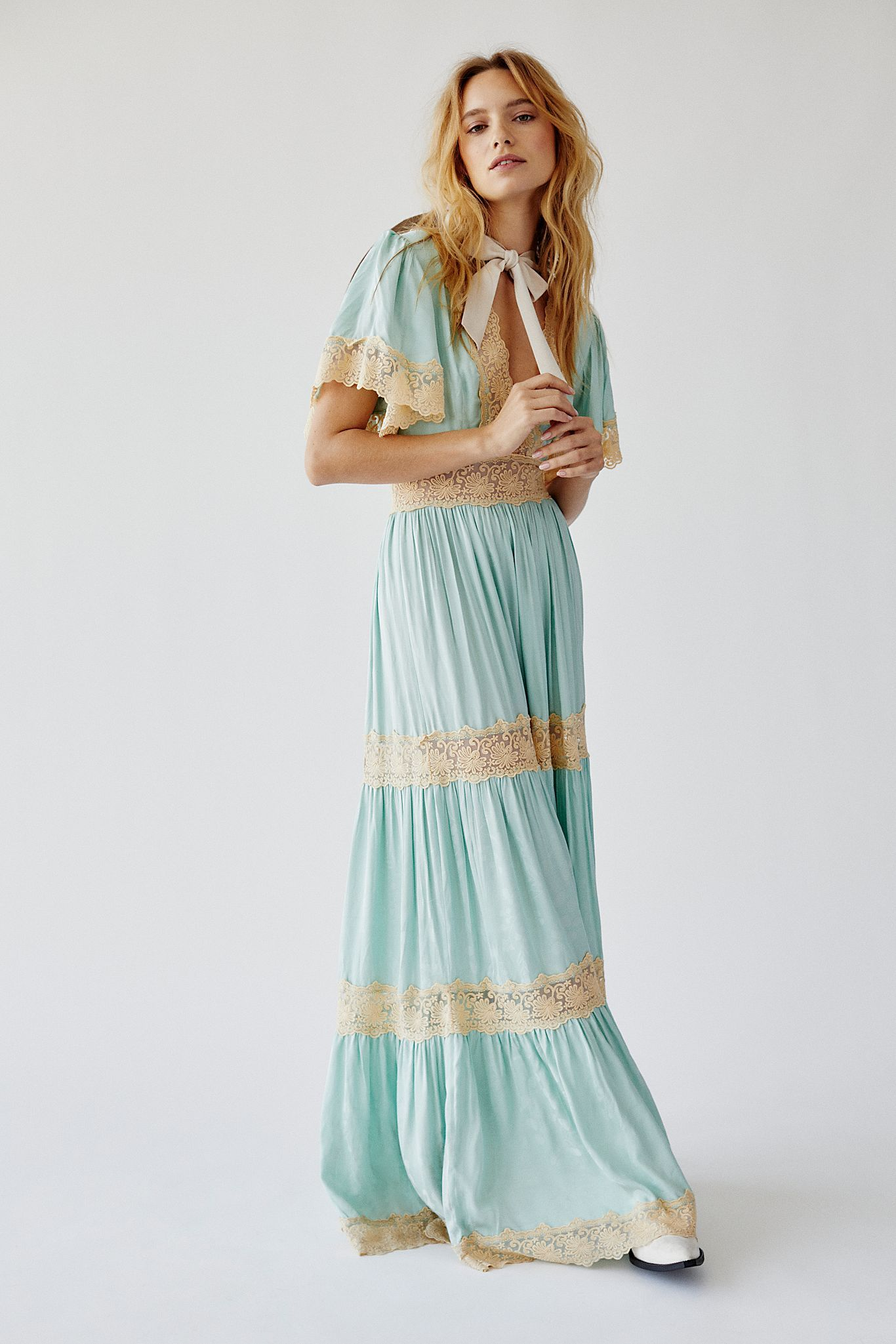 Juliana Maxi Dress Embroidered Maxi Dress Bohemian Maxi Dress Maxi Dress [ 2049 x 1366 Pixel ]