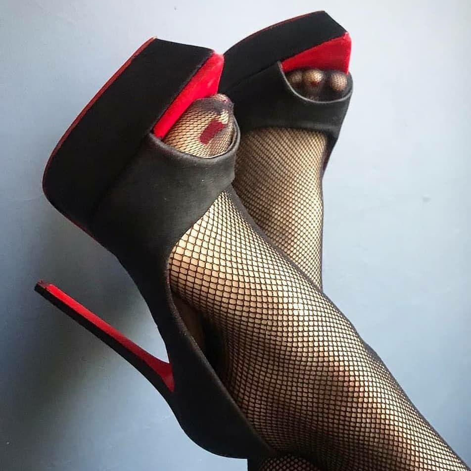"Love feet 👠 on Instagram: ""#heel #heels #heelsaddict #heellove #heels👠 #heeladdict #shoelove #shoesaddict heelsatwork @stiletto_fetish3 @sexy_highheels2"""