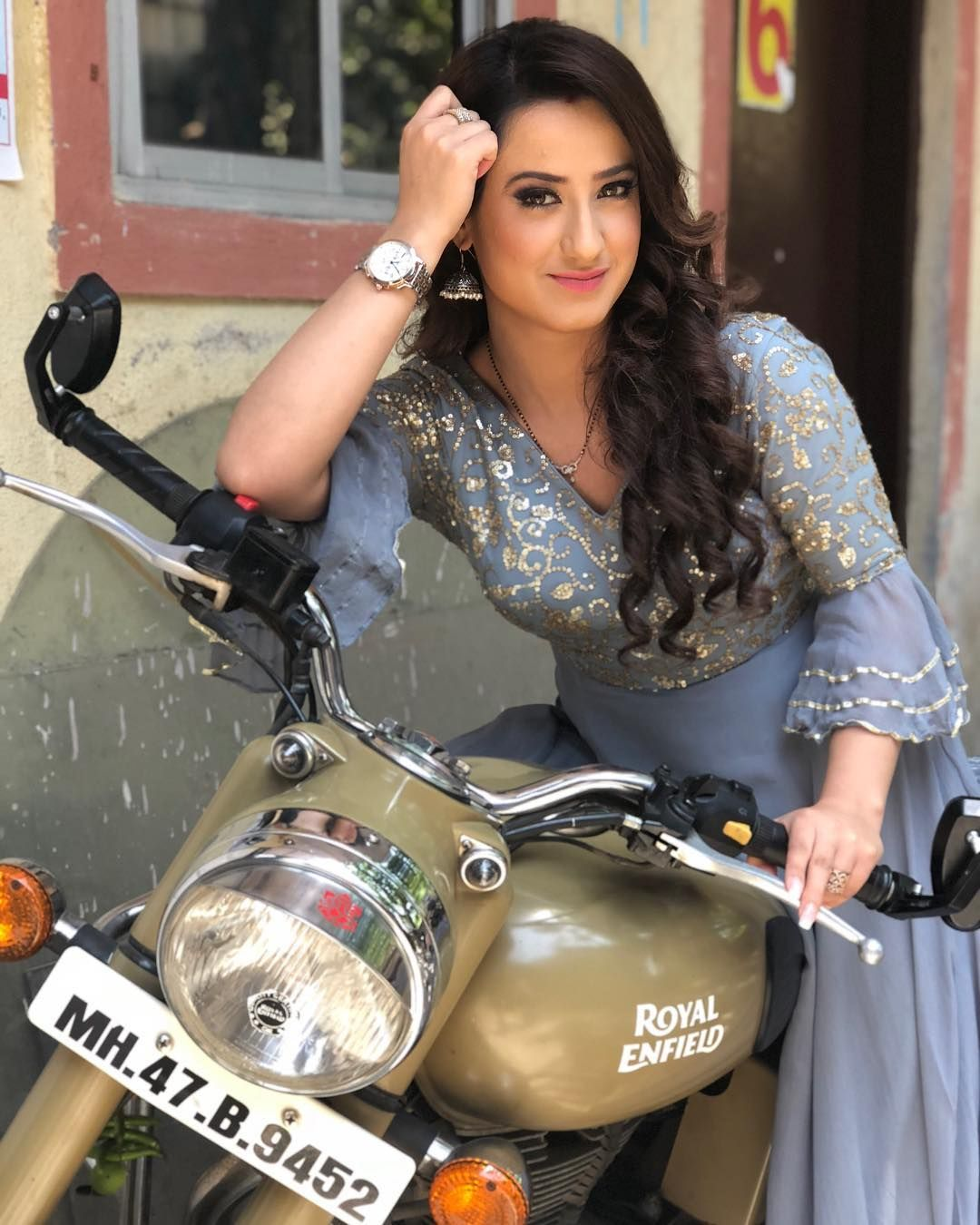 """Aalisha Panwar """"My new love❣️   why should boys have all da fun"""