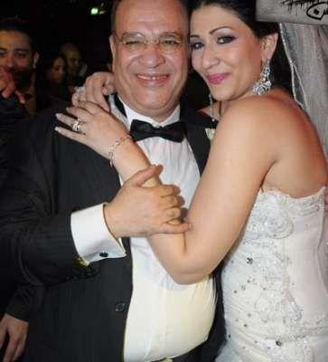 بالصور شاهد زفاف دينا ابنة الفنان صلاح عبد الله ورقصه على انغام