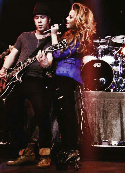 Demi and Mike! I miss them!! ;(
