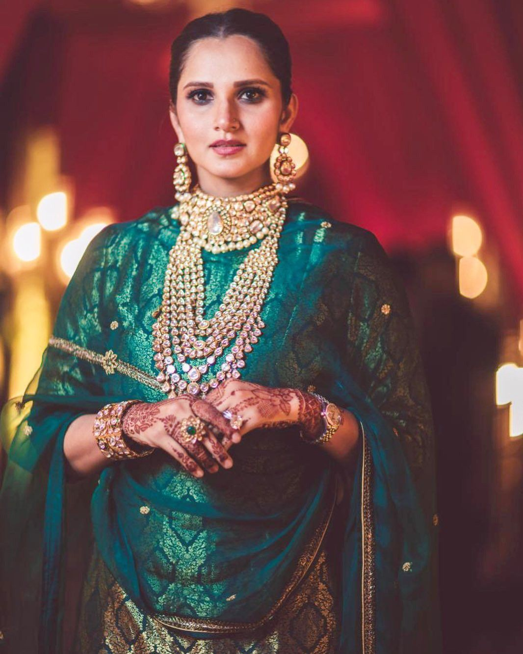 Tennis star SaniaMirza's sister AnamMirza tied the knot