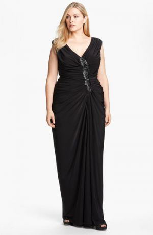 286527351fb Where to buy Tadashi Shoji plus-size cocktail and evening dresses