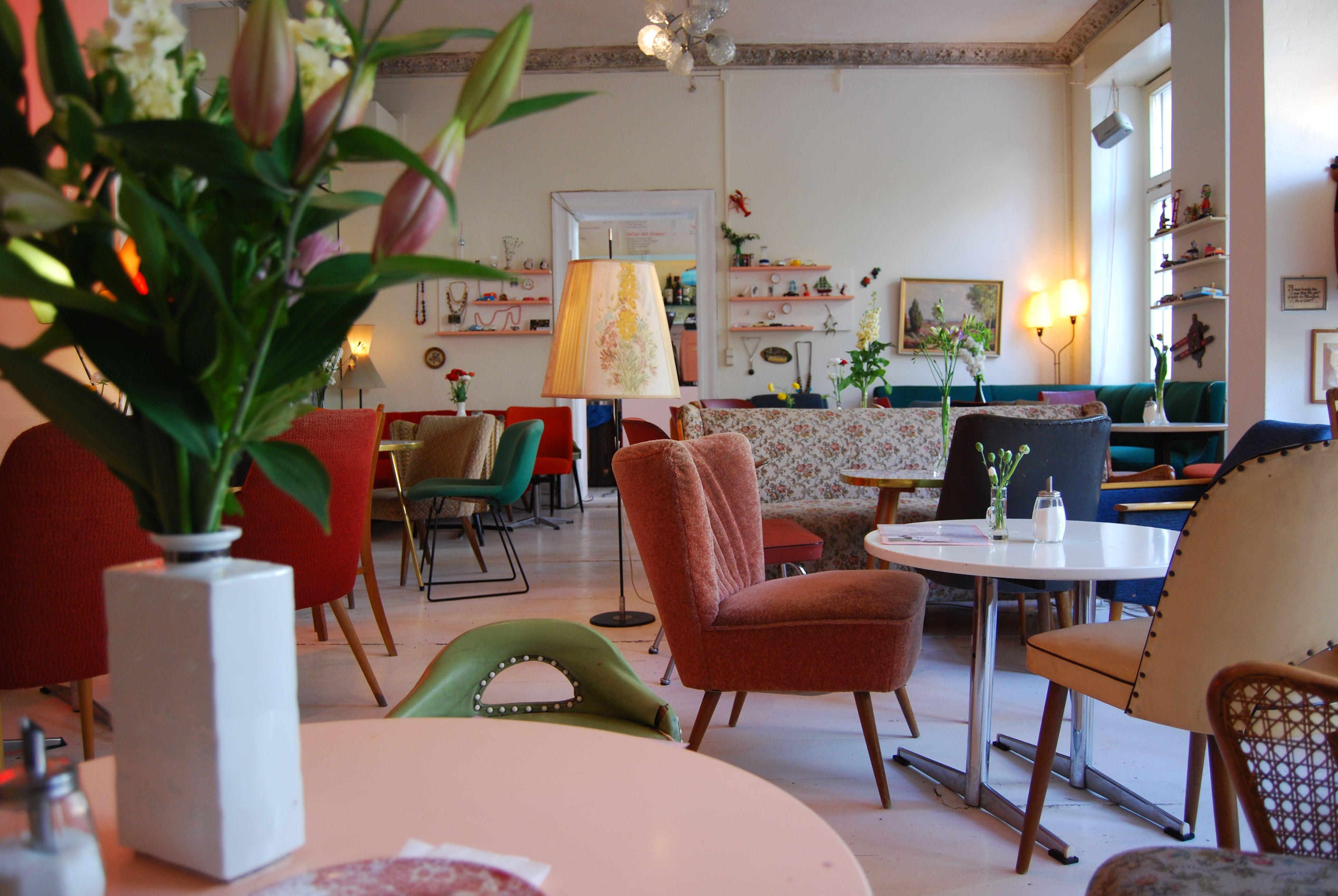 kauf dich gl cklich caf shop berlin exploring. Black Bedroom Furniture Sets. Home Design Ideas