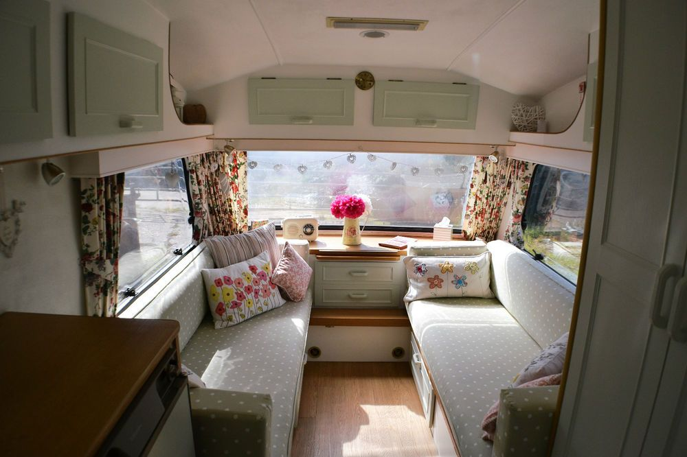 Cotswold windrush vintage caravan berth fully refurbished also rh ar pinterest