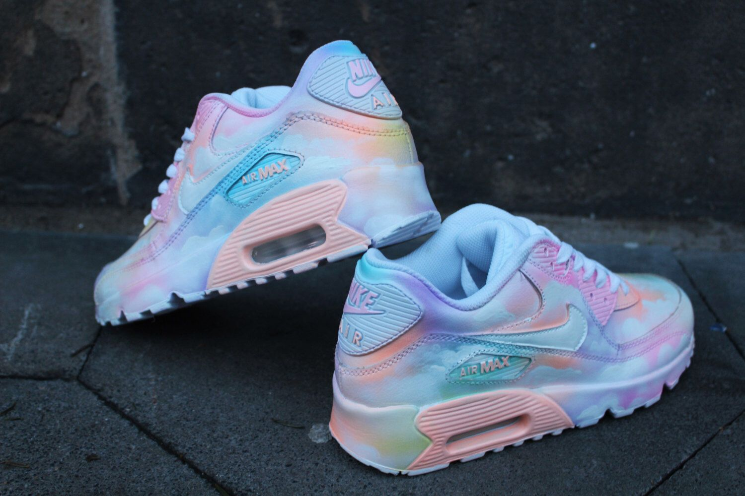quality design c6686 1d1bf Custom painted Nike Air Max 90 Cloudy pastell Dream Art Style Sneaker   UNIKAT
