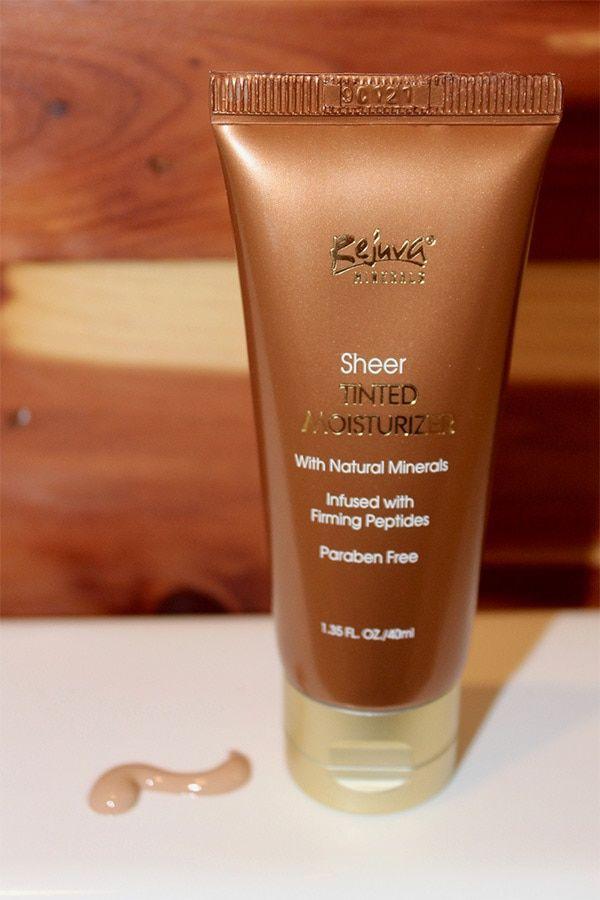 Rejuva Minerals : Custom Makeup Kit Review | Momma Review