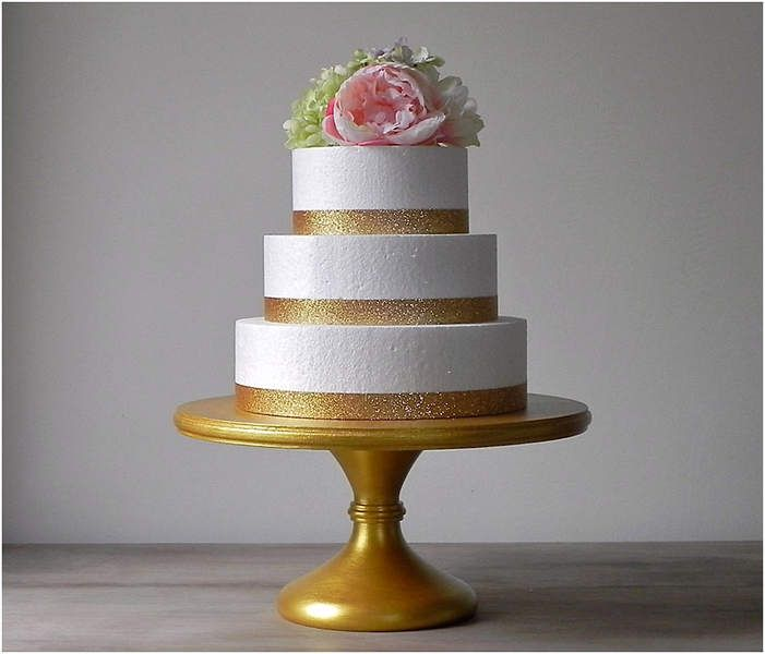 Best Gold Wedding Cake Stand Collections For Your Special If You Are Going To Make The Moment Like Birthday Party Then Can Think
