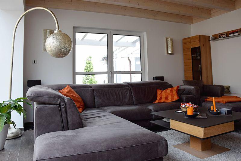 Modernes Wohnzimmer Mit Italienischer Ledercouch Und Marokkanischen Leuchten Wohnen Sofa