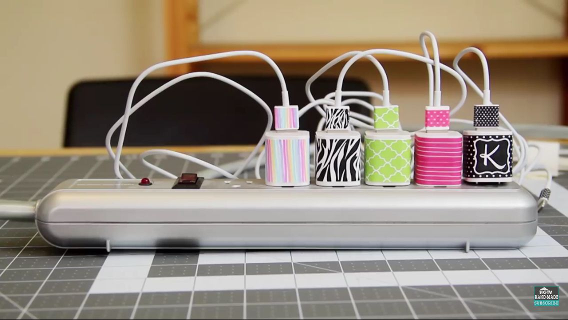 Diy decorated phone chargers diy decorate phone charger